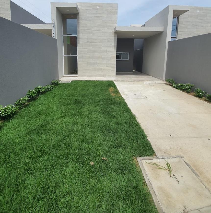 Linda casa á venda 03 qrtos no  Eusébio – CE