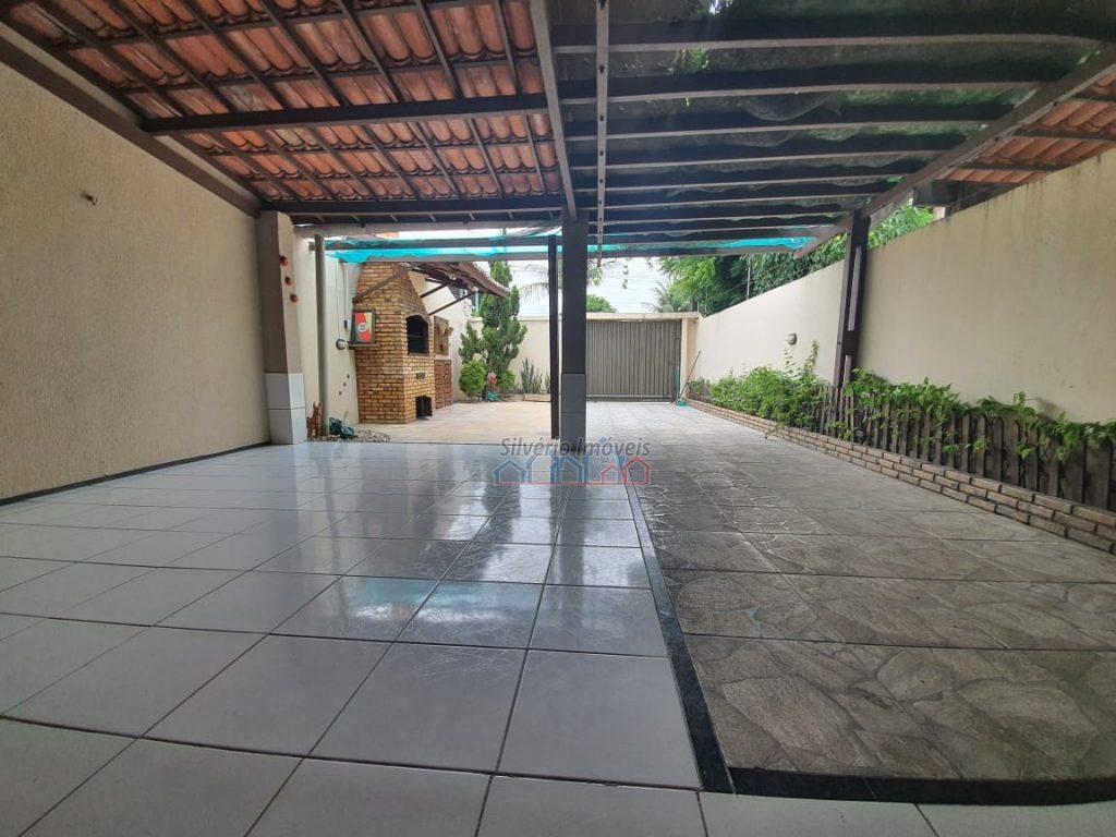 Casa a venda com  90 metros quadrados e  2 quartos  .