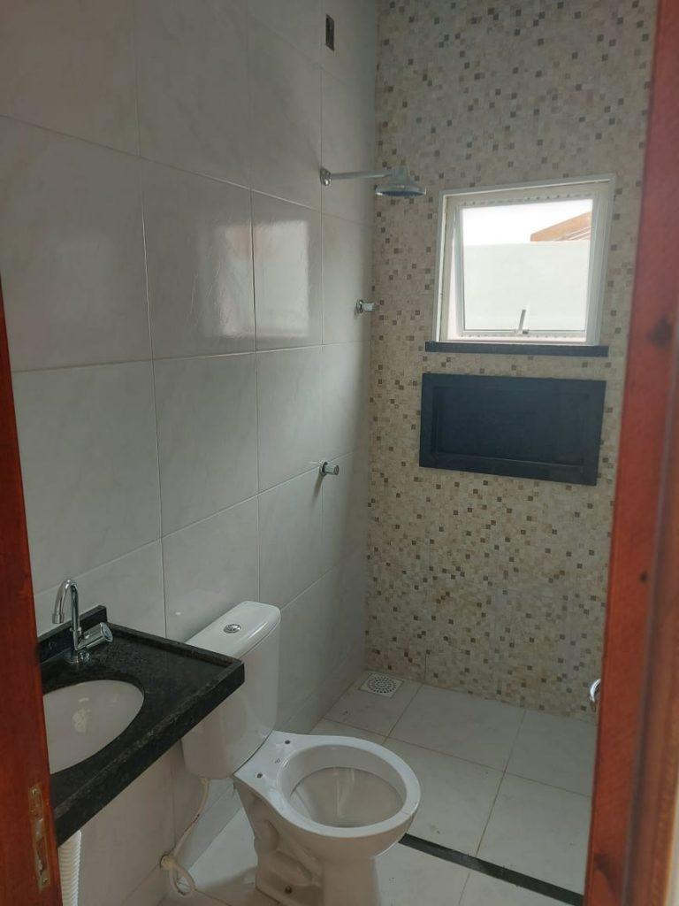 Casa a venda possui 104 metros quadrados com 3 quartos no bairro  Ancuri – Itaitinga – CE.