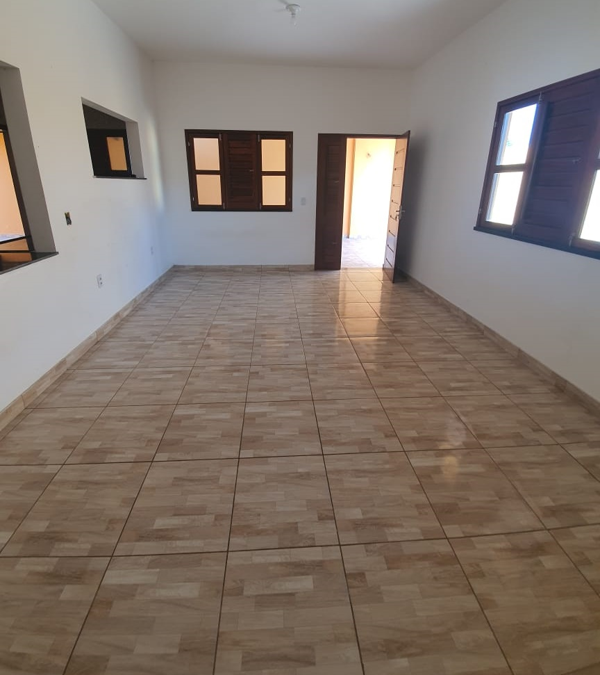 Excelente casa de esquina 03 quartos á venda no Parque Dom Pedro II! R$ 250.000