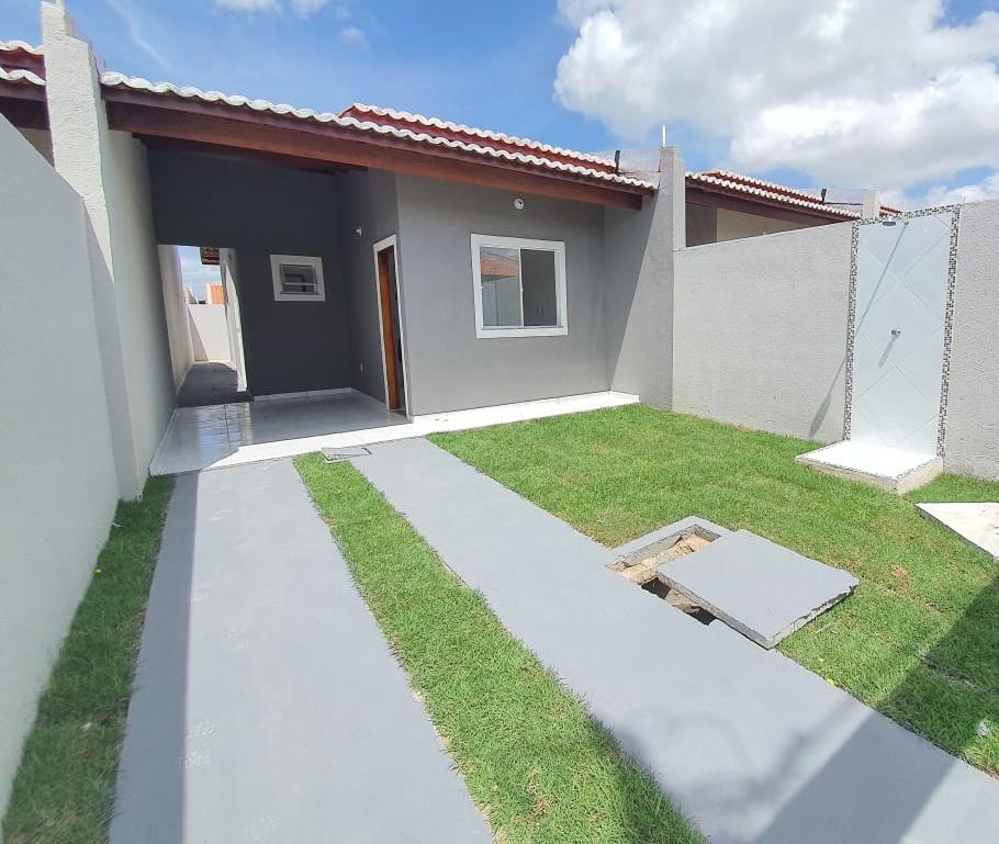 Casa à venda com 02 quartos e dois banheiros no bairro Ancuri, Fortaleza.