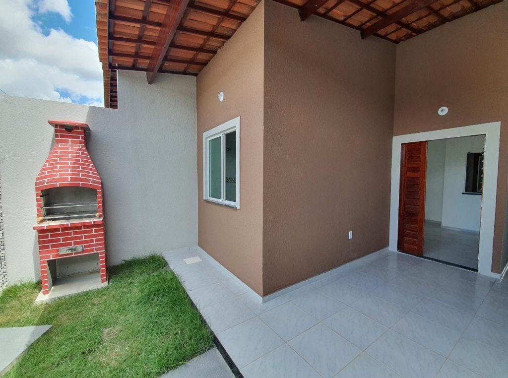 Excelente casa com 02 quartos, 02 banheiros, 02 vagas à venda no Bairro Ancuri