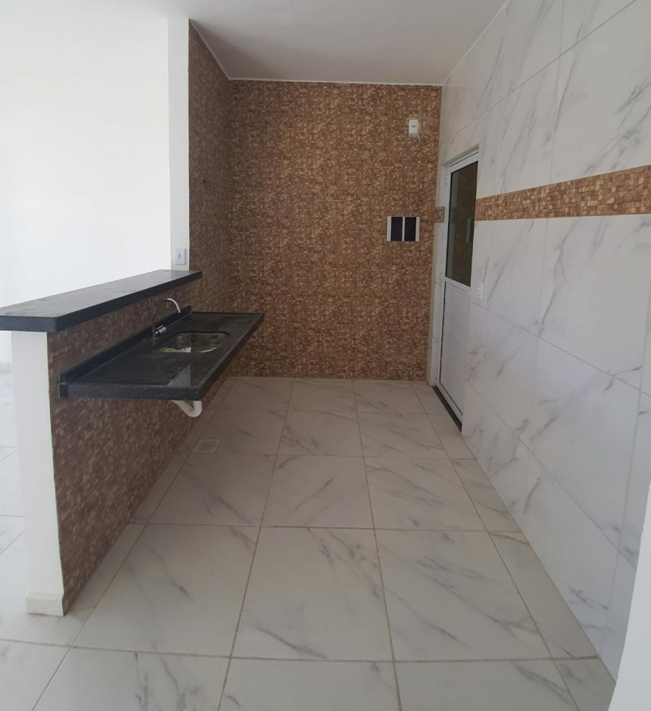 Belíssima casa com 02 quartos à venda em Pedras – a poucos minutos de Messejana-Fortaleza!
