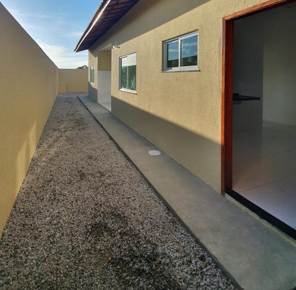 Excelente casa a venda de esquina no bairro Ancuri com 210m².