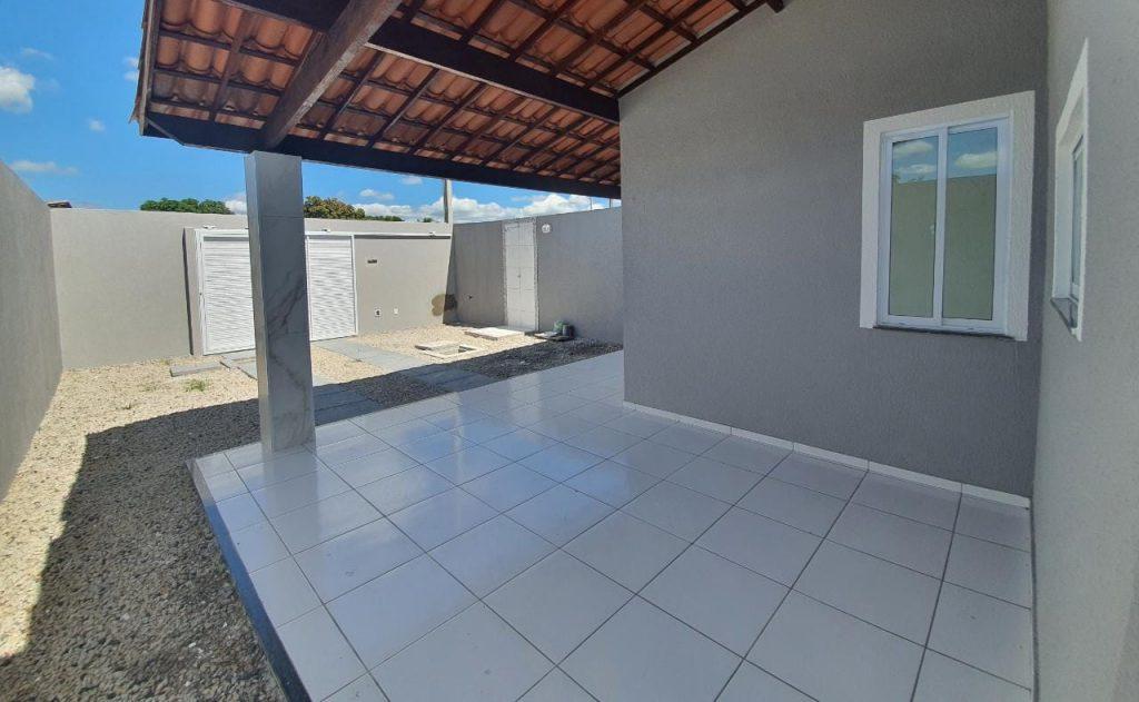 Excelente casa de esquina no Bairro Jabuti Itaitinga-ce.