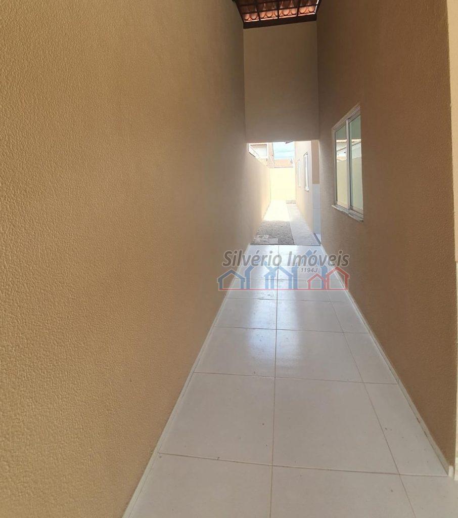 Aconchegante casa no bairro Ancuri com 02 quartos .