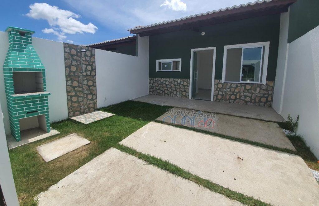 Linda casa pronta no Bairro Pedras com 03 quartos .
