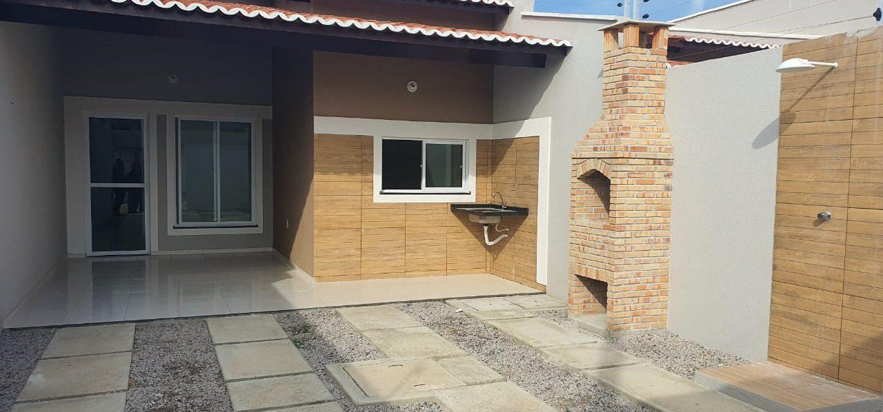 Excelente casa pronta no bairro Ancuri.
